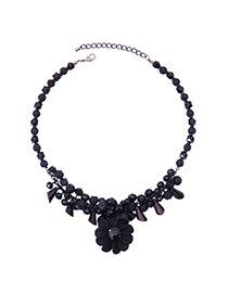 Elegant Gun Black Flower Pendnat Decorated Simple Short Chain Necklace