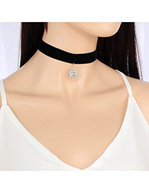 Fashion Black Sun Shape Pendent Decorated Pure Color Choker