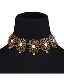 Vintage Golden Color Hollow Out Flower Decorated Short Chain Simple Choker