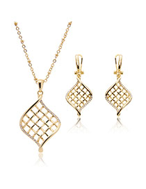 Delicete Gold Color Hollow Out Pendnat Decorated Long Chain Simple Jewelry Sets