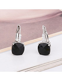 Exquisite Black Square Diamond Decorated Simple Earring