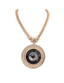 Vintage Black Round Pendant Decorated Short Chain Necklace