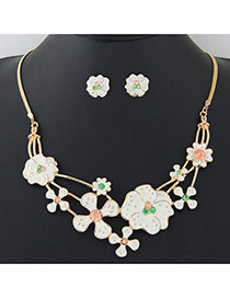 Lovely White Flower Shape Decorated Simple Short Chain Jewerly Sets