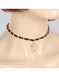 Fashion Black Diamond Decorated Key Shape Design Choker