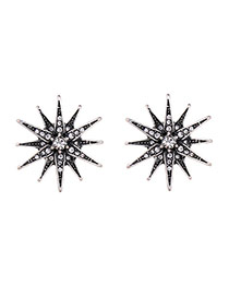 Exaggerated Black Diamond Decorated Star Shape Earring