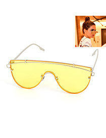 Fashion Yellow Metal Strip Decorated Simple Sunglasses