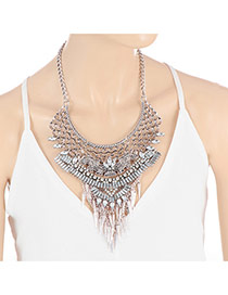 Retro Silver Color Rivet Tassel Pendant Decorated Short Chain Necklace