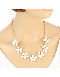Sweet Gold Color Flower Pendant Decorated Short Chain Necklace
