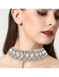 Vintage White Oval Shape Diamond Decorated Simple Hollow Out Choker