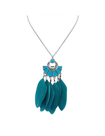 Fashion Green Feather Pendant Decorated Semicircle Shape Simple Necklace