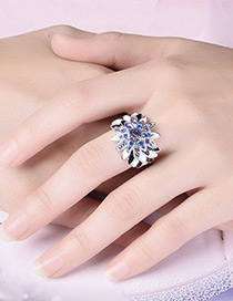 Vintage Blue Flower Shape Decorated Simple Ring
