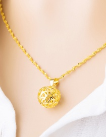 Elegant Gold Color Heart Shape Decorated Hollow Oue Pendant (not Including Chain )