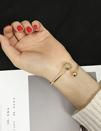 Elegant Gold Color Hellow Out Round Shape Decorated Opening Bracelet